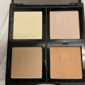 ELF Makeup - BOGO FREE⚡️elf illuminating palette highlighter